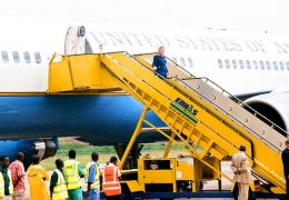 Hilary-Clinton-1st-lady-to-former-USA-President-Bill-Clinton-Boarding-off-the-Plane-at-Entebbe-International-Airport