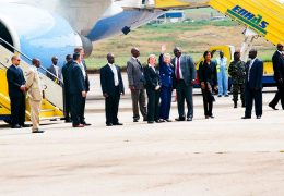 Hilary-Clinton-at-Entebbe-International-Airport-on-3-August-2012
