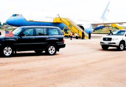 Hilary-Clinton-leaving-Entebbe-International-Airport-on-3-August-2012