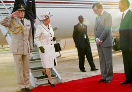 Queen-Elizabeth-arrives-at-Entebbe-International-Airport-for-the-CHOGM-meeting